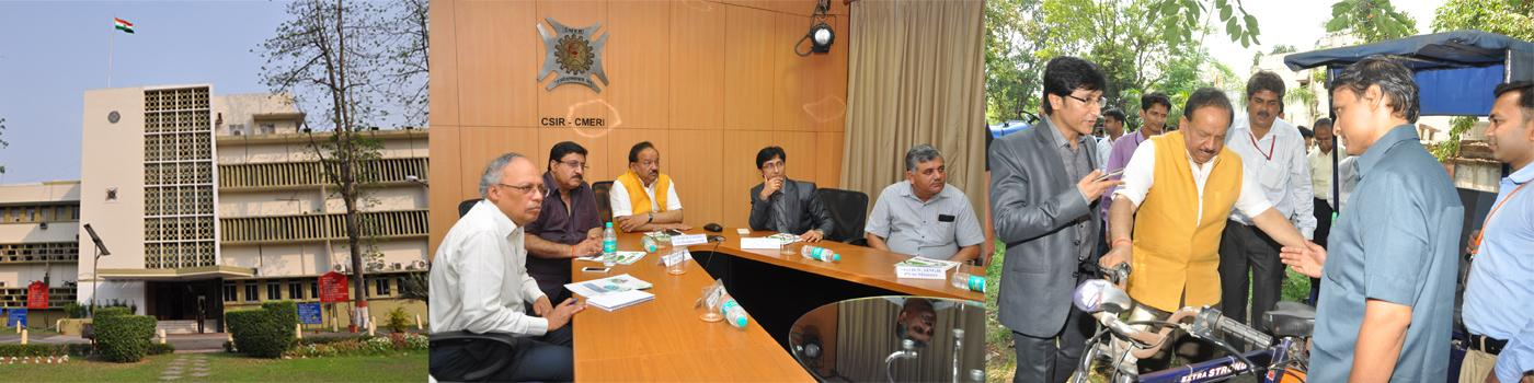 DG CSIR and other Dignitaries with Hon. Minister of S&T